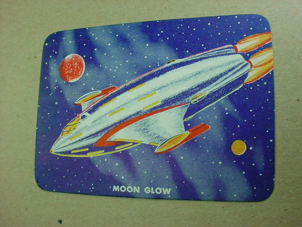 Sciences fiction, soucoupes volantes et extraterrestres - Sci Fi, Flying Saucers and Aliens Card210