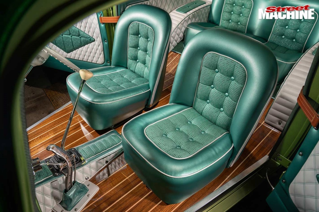 Bad Apple - 1933 Chevrolet two-door sedan - Richard Townsend - 60's style Chev-s32