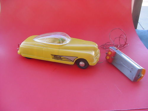 Mormac powermatic Space Car, Battery Op , 1950' remote control Cn10