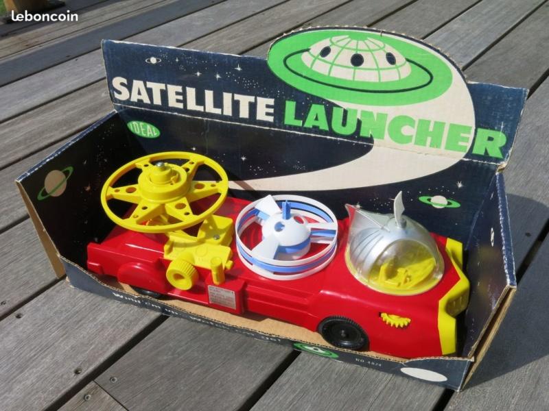 Satellite Launcher - american vintage plastic toy Dc5d9210