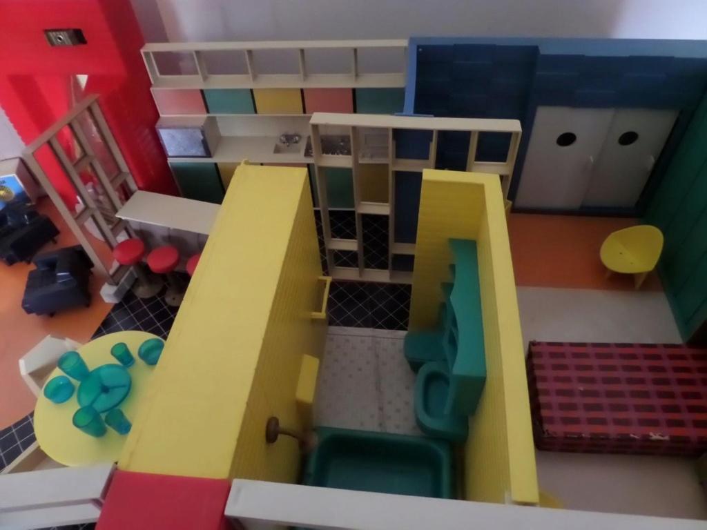 Debbie's Dream House - plastic mid-century mod showplace from Marx Toys - 1963 Debbie10