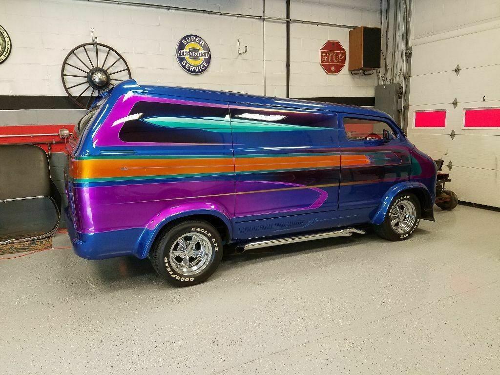 1976 Dodge Show Van - The Nautilus Dodge-11