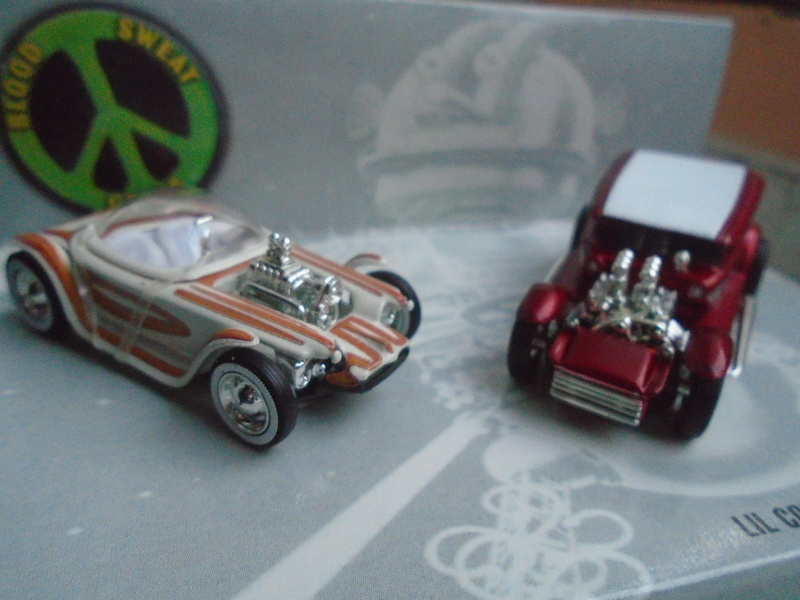 Hot Wheels Collectible Blood Sweet Gears - Beatnik Bandit - Lil' Coffin - show rod - Ed Roth - Darrill Starbird Dsc02010