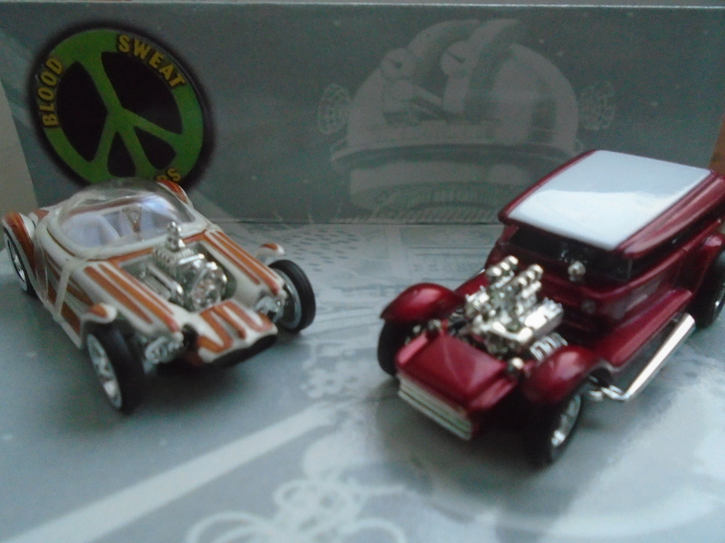 Hot Wheels Collectible Blood Sweet Gears - Beatnik Bandit - Lil' Coffin - show rod - Ed Roth - Darrill Starbird Dsc02013