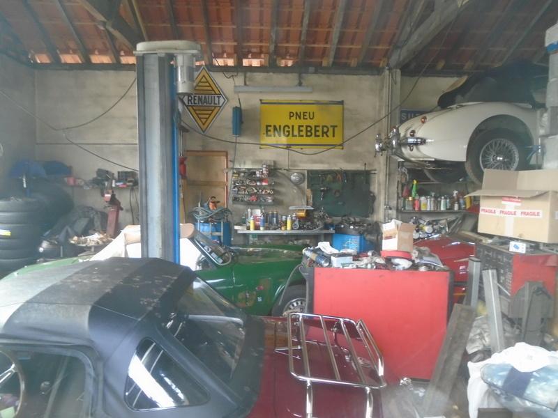 Garage d'anglaise à l'ancienne - Mg, Triumph, Jaguar, Austin et d'autres encores Dsc02020