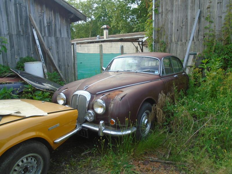 Garage d'anglaise à l'ancienne - Mg, Triumph, Jaguar, Austin et d'autres encores Dsc02024