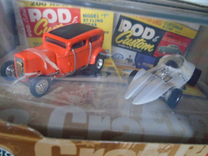 Hot Wheels Collectible 100% - Rod and Custom Magazine - Manta Ray & Orange Crate Dsc02044