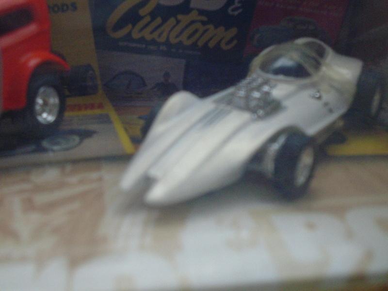 Hot Wheels Collectible 100% - Rod and Custom Magazine - Manta Ray & Orange Crate Dsc02045