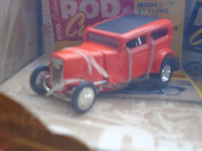 Hot Wheels Collectible 100% - Rod and Custom Magazine - Manta Ray & Orange Crate Dsc02046