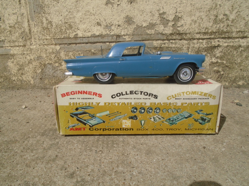 1957 Ford Thunderbird - Custom Jr Series - 1/25 scale - amt Dsc02213
