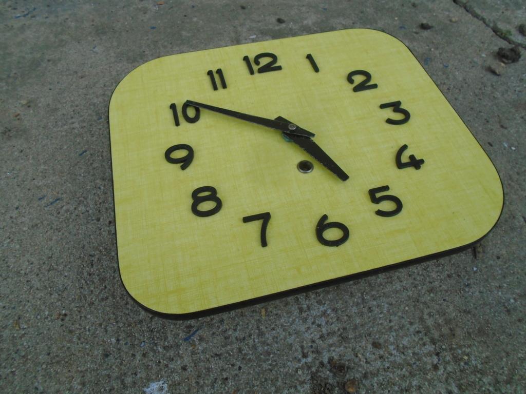 Horloges & Reveils fifties - 1950's clocks - Page 4 Dsc03813