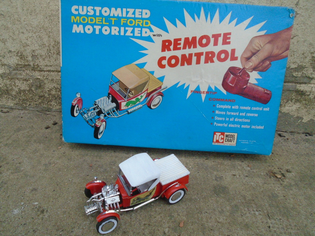 "1925 Model ""T"" Ford - Motorized Remote control - ITC Model Craft - 1962 - 1/25 scale Dsc04611"