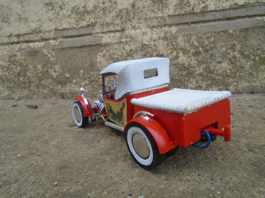"1925 Model ""T"" Ford - Motorized Remote control - ITC Model Craft - 1962 - 1/25 scale Dsc04614"