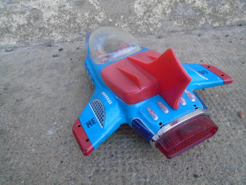 futuristic tintoys vehicules Dsc04639