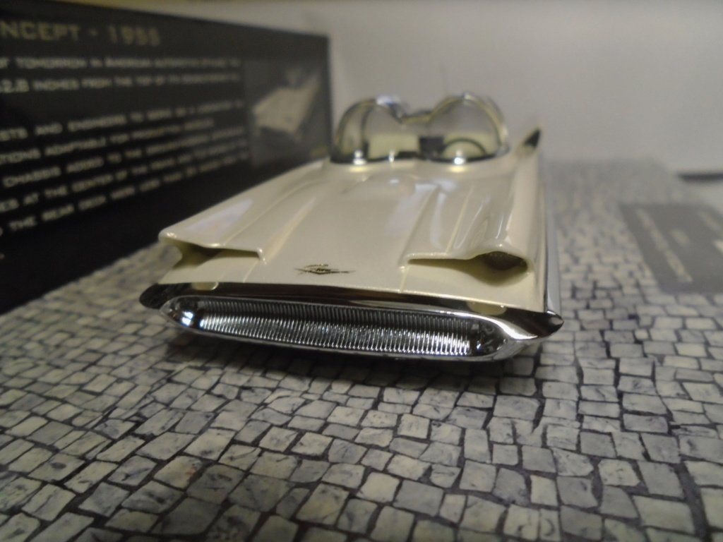 Minichamps Dream cars to the 1950's - concept car to the Motorama and other - 1/43 scale and 1/18 scale Dsc04712