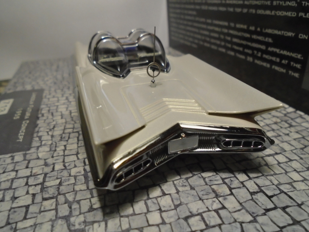 Minichamps Dream cars to the 1950's - concept car to the Motorama and other - 1/43 scale and 1/18 scale Dsc04713