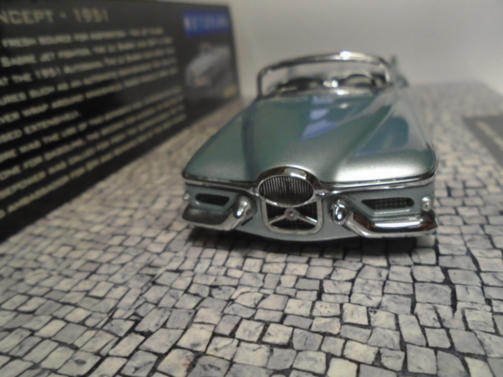 Minichamps Dream cars to the 1950's - concept car to the Motorama and other - 1/43 scale and 1/18 scale Dsc04717