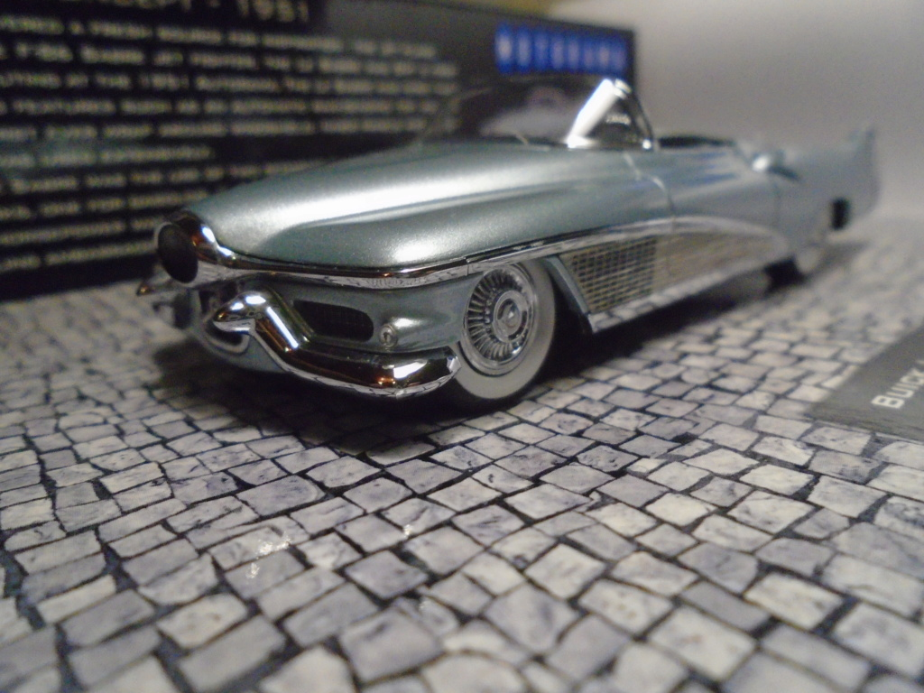 Minichamps Dream cars to the 1950's - concept car to the Motorama and other - 1/43 scale and 1/18 scale Dsc04720