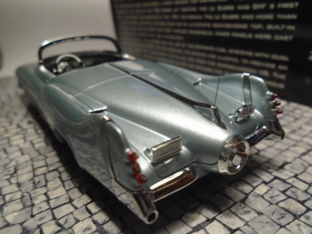 Minichamps Dream cars to the 1950's - concept car to the Motorama and other - 1/43 scale and 1/18 scale Dsc04721