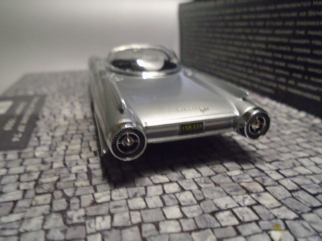 Minichamps Dream cars to the 1950's - concept car to the Motorama and other - 1/43 scale and 1/18 scale Dsc04727