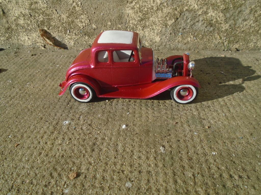1932 Ford 5 Window - The Deuce - Amt Dsc04963