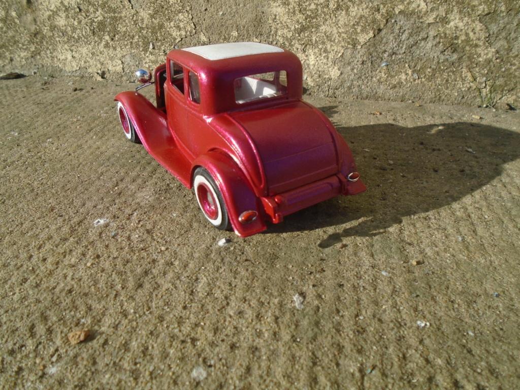 1932 Ford 5 Window - The Deuce - Amt Dsc04965
