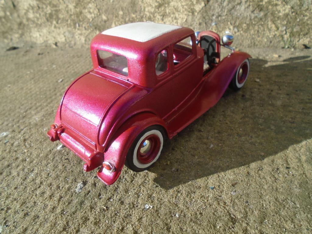 1932 Ford 5 Window - The Deuce - Amt Dsc04968