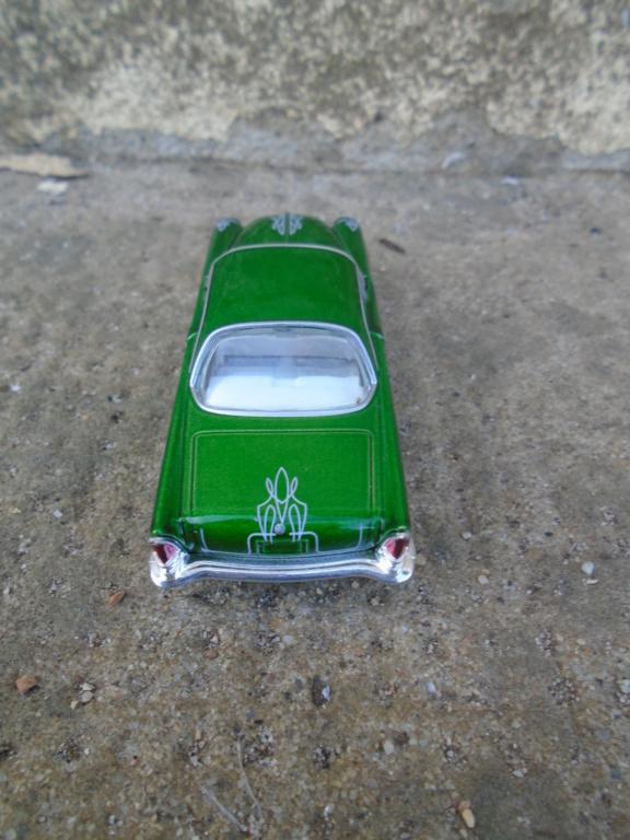 M2 Machines - 1/64 american classic cars - Auto-thentics -  Dsc05043