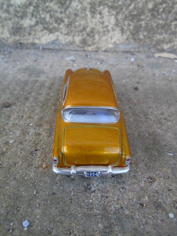 M2 Machines - 1/64 american classic cars - Auto-thentics -  Dsc05081