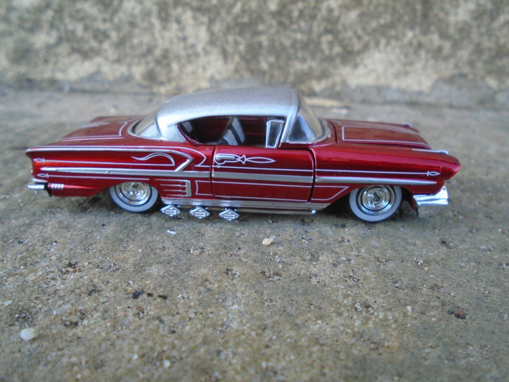 M2 Machines - 1/64 american classic cars - Auto-thentics -  Dsc05102