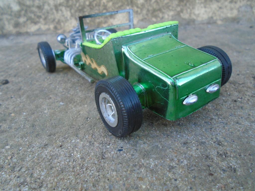 ZEE - Plastic model Hot Rod - 1/32 scale - Tornado & Flying Monk Dsc05225