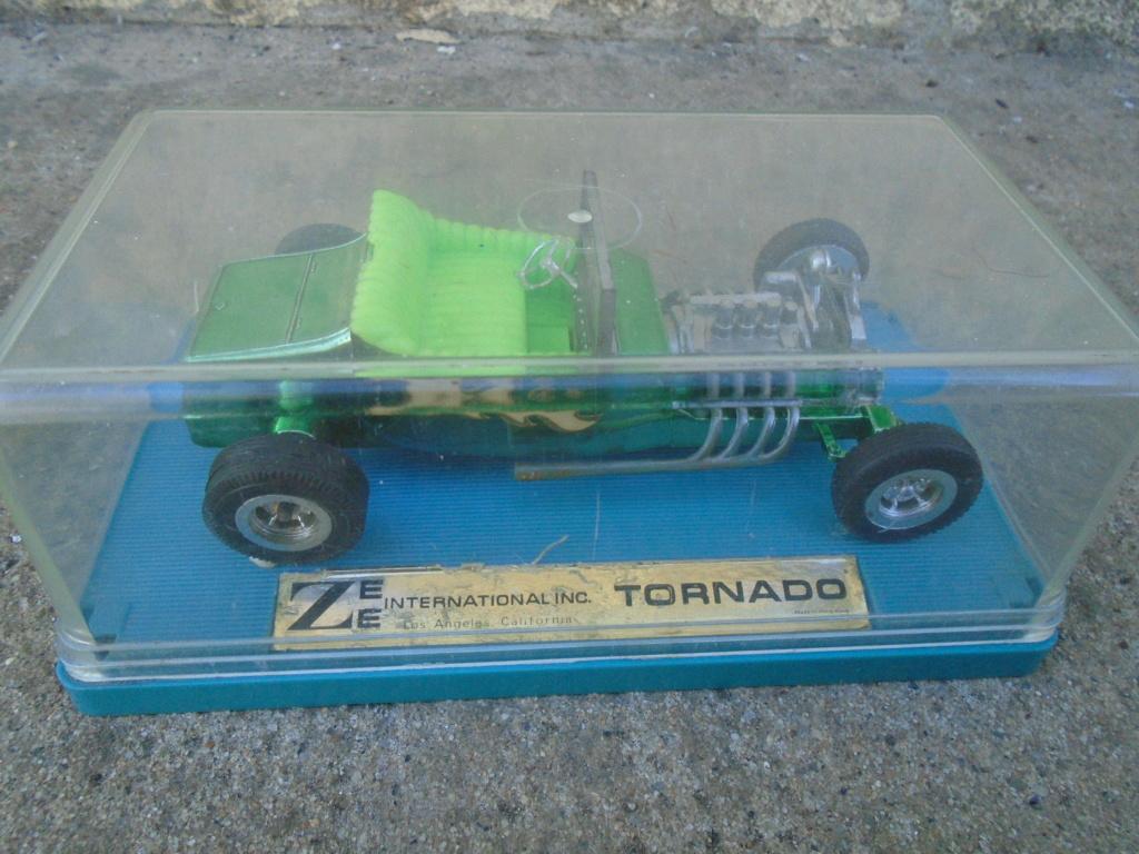 ZEE - Plastic model Hot Rod - 1/32 scale - Tornado & Flying Monk Dsc05230