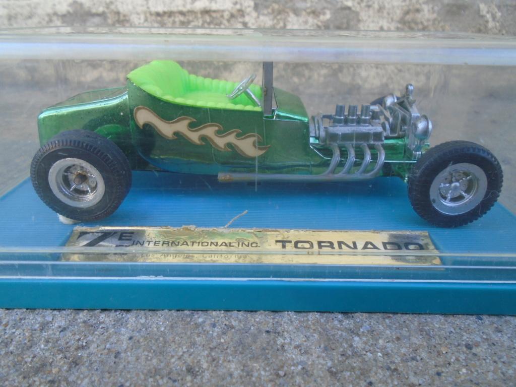 ZEE - Plastic model Hot Rod - 1/32 scale - Tornado & Flying Monk Dsc05232