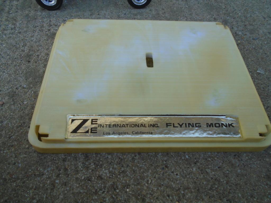ZEE - Plastic model Hot Rod - 1/32 scale - Tornado & Flying Monk Dsc05242