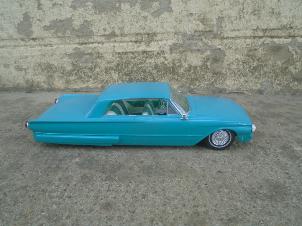 1961 Ford Galaxie  - Customizing kit - 3 in 1 - amt - 1/25 scale Dsc07918