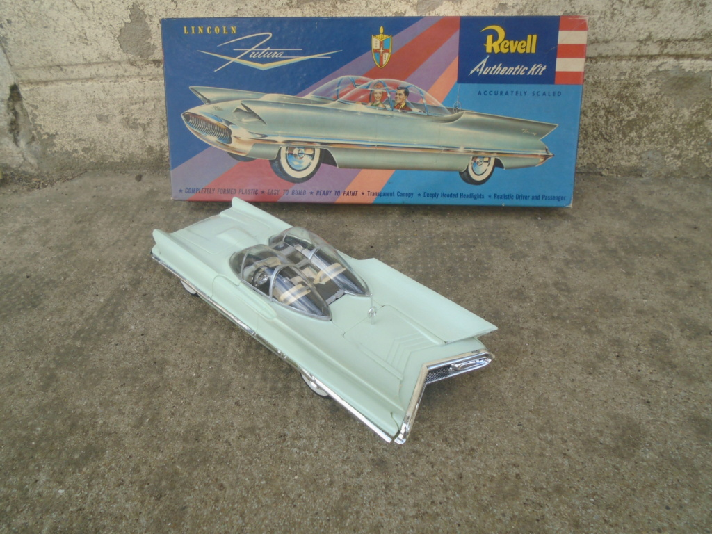 1955 Lincoln Futura - Concept car - Revell - 1/25 scale Dsc08011