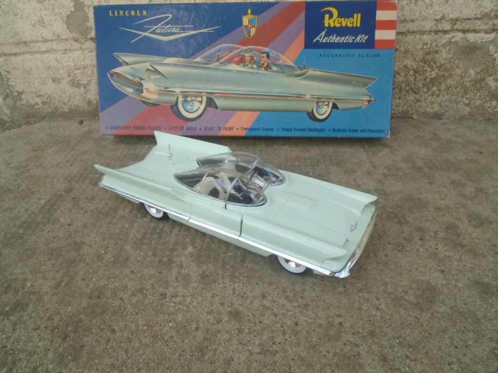 1955 Lincoln Futura - Concept car - Revell - 1/25 scale Dsc08012