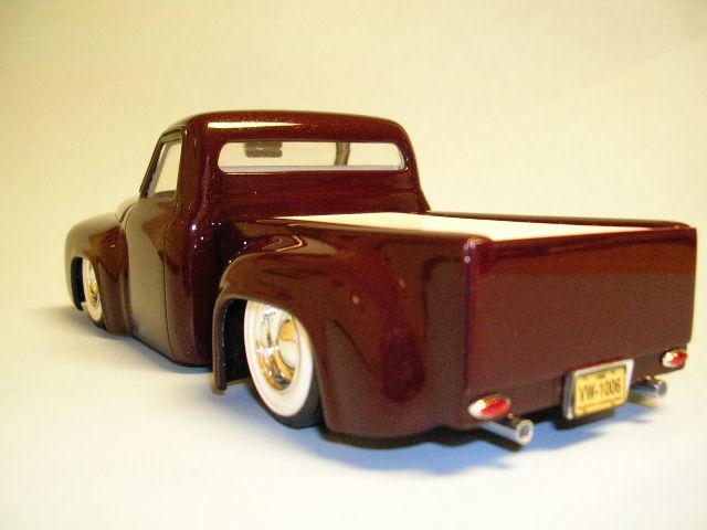 Bill Stillwagon - Model Kit - Kustom car artist - Page 2 Dscn0523