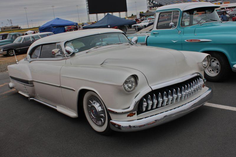 Chevy 1953 - 1954 custom & mild custom galerie - Page 15 Img_0210