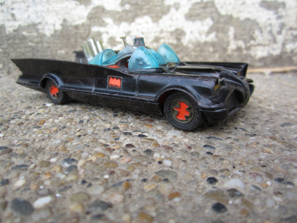 Batmobile Corgi Toys - 1/43 scale Img_0810