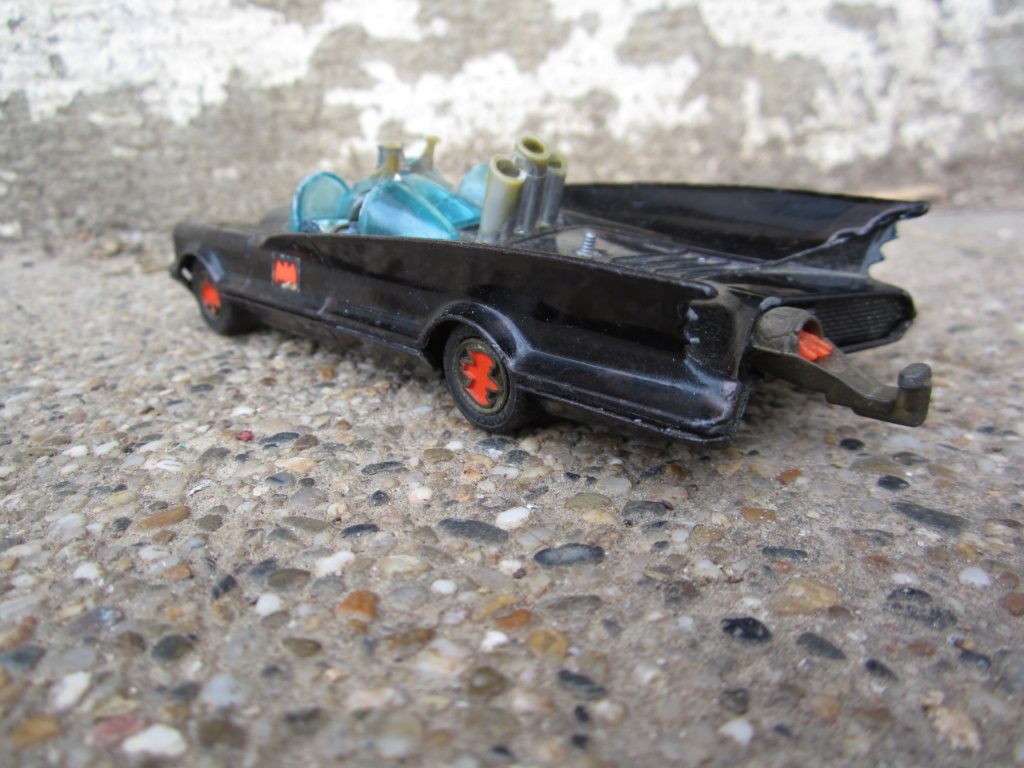 Batmobile Corgi Toys - 1/43 scale Img_0811