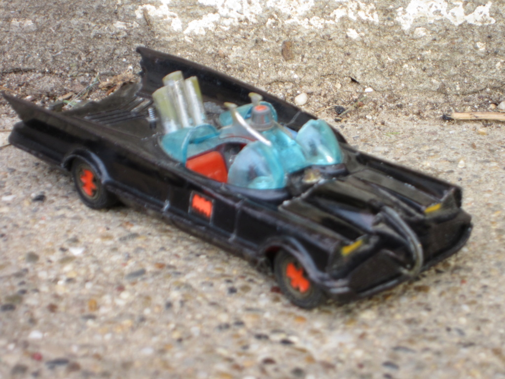 Batmobile Corgi Toys - 1/43 scale Img_0812