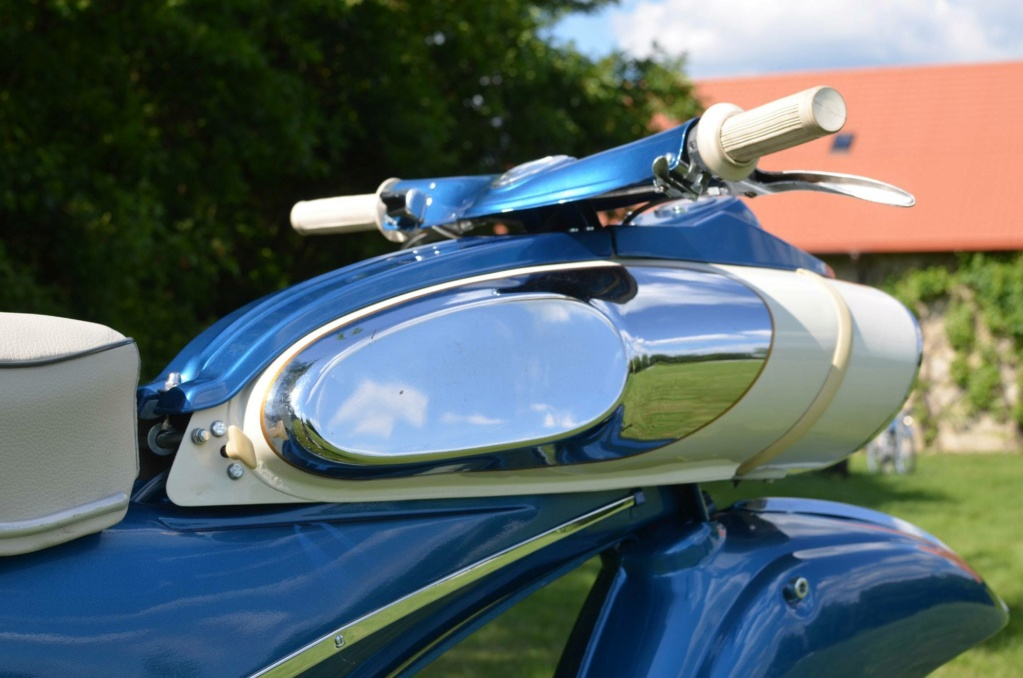 "1961 Victoria 115 ""Tin Banana"" 50cc Img_1410"