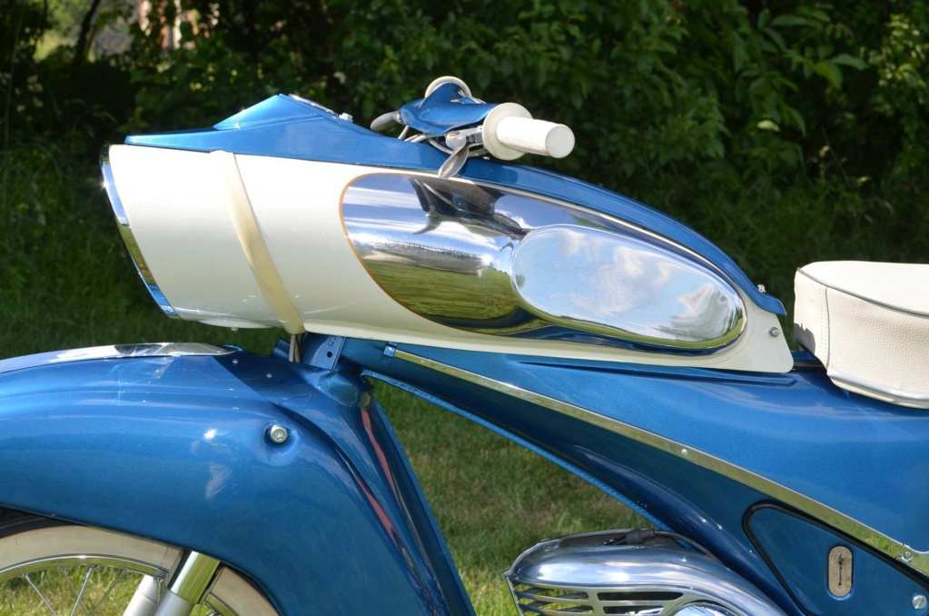 "1961 Victoria 115 ""Tin Banana"" 50cc Img_510"