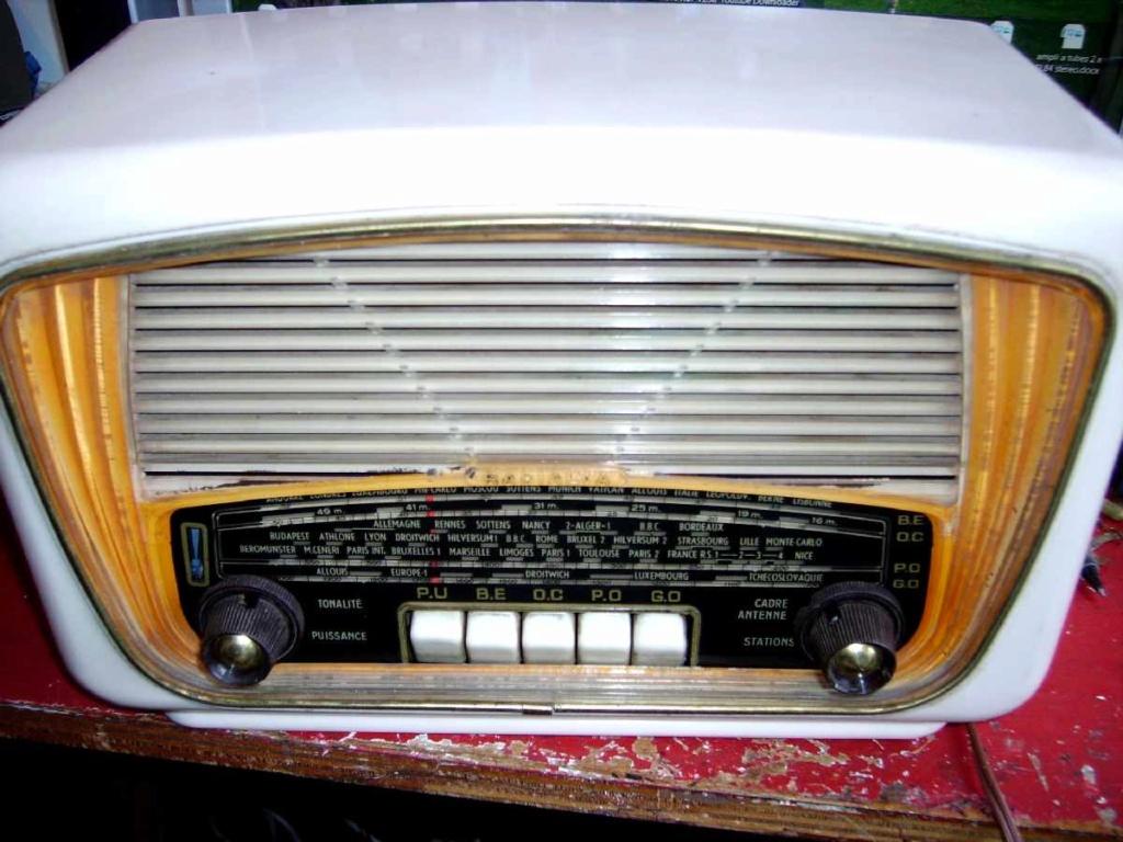 Radialva Super But 58 - 1958 Imgp5410