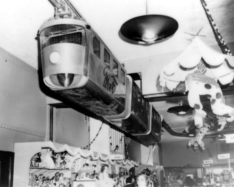 John Wanamaker Monorail Kid-si10