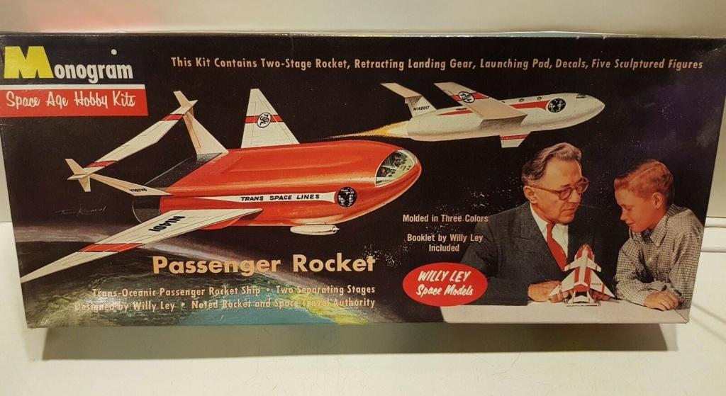 Spaceship, Rocket and Flying saucers model kit Kitmon10