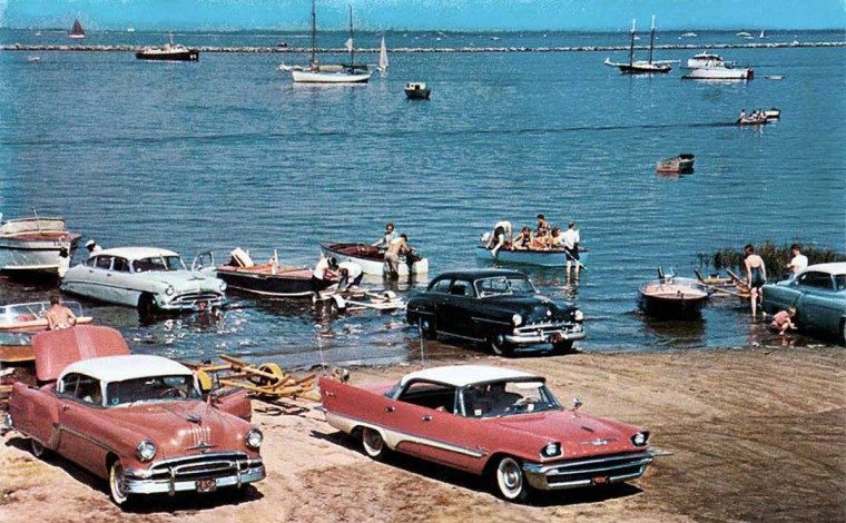 fifties & early sixties cars in situation - Vintage pics - Page 2 Launch10