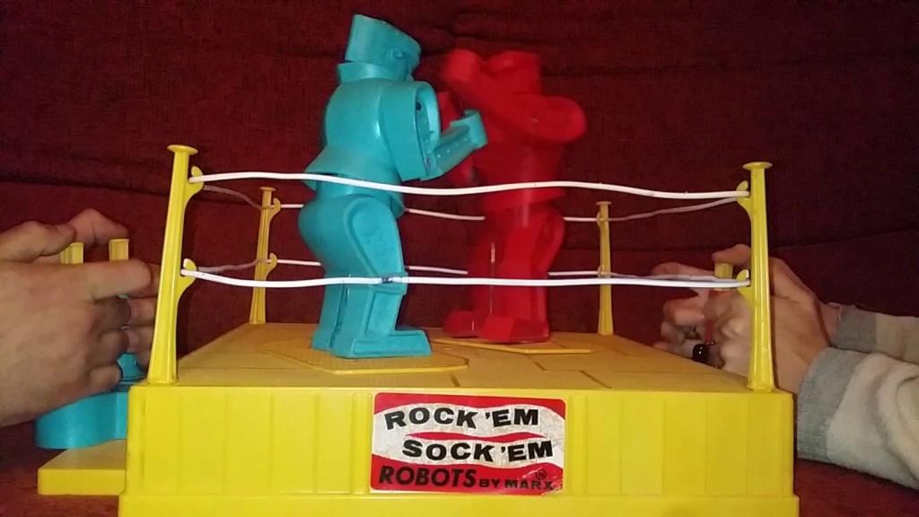 Rock 'Em Sock 'Em Robots from Marx (1966) Maxres13