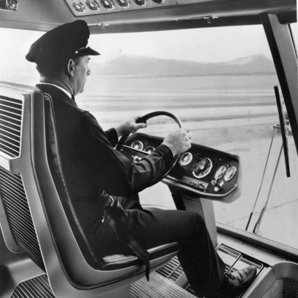 Ford Turbine-Powered Semi-Truck 'Big Red' - 1964 Messag11